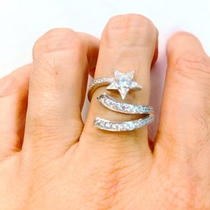 Jewelry - Sterling silver star ring 925 size7-7.5 set in Cz